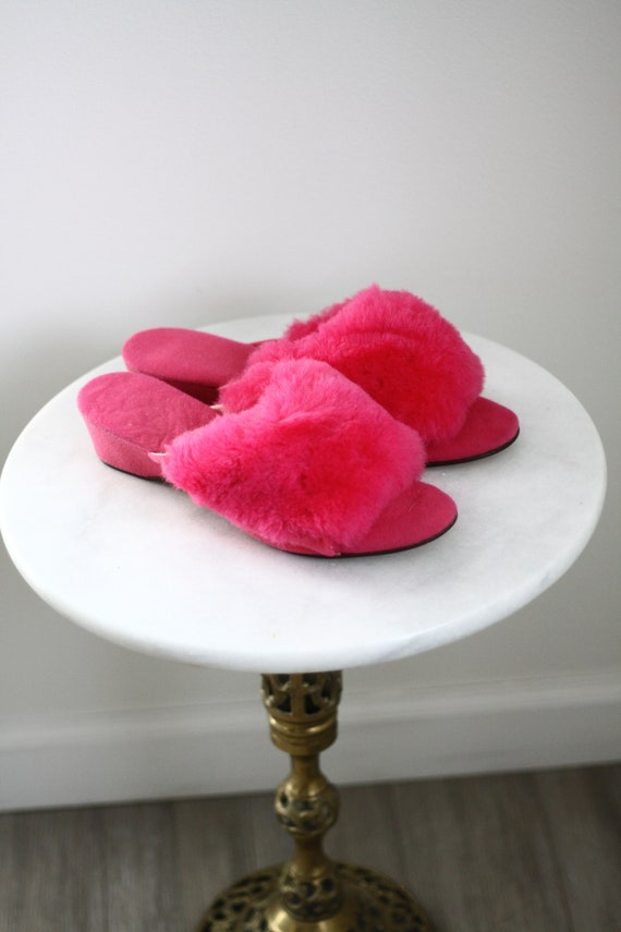1980s pink fuzzy slides // 1980s pink slippers// vintage slippers