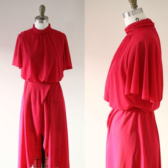 1970s pink wrap dress // 1970s flutter dress  // vintage dress