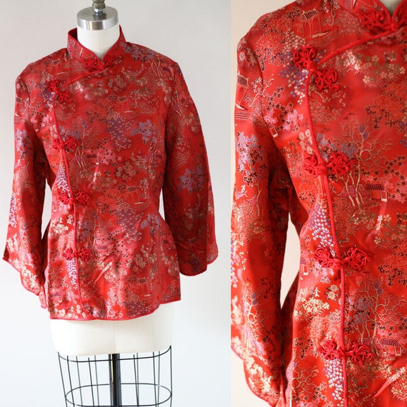 1970s red satin embroidered robe top // 1970s robe // vintage robe