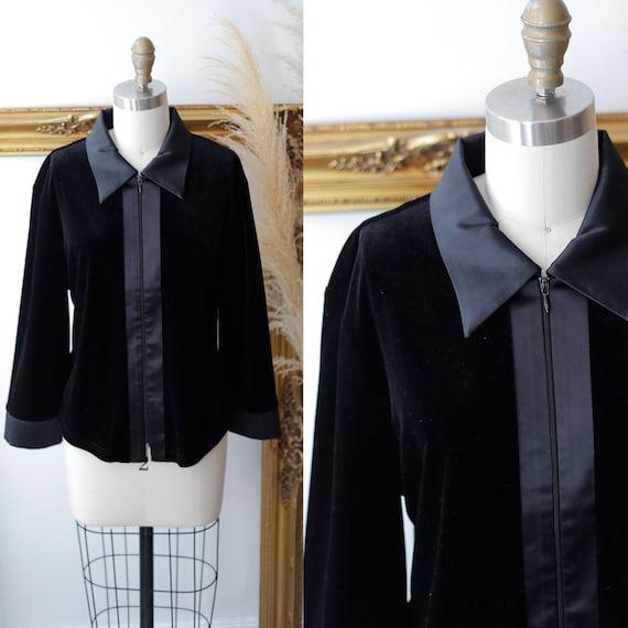 1990s velvet top // 1990s black velvet blouse // Vintage velvet top