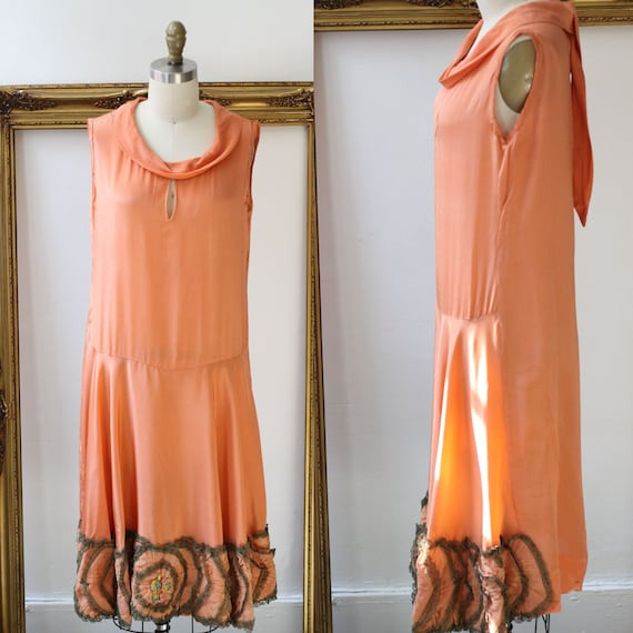 1920s keyhole flapper dress // 1920s flapper dress  // antique silk dress