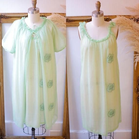 1960s green two piece negligee set // Vintage lingerie set // 1960s lingerie