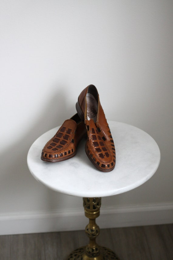 1970s woven leather slip ons // vintage leather shoes // 1970s loafers