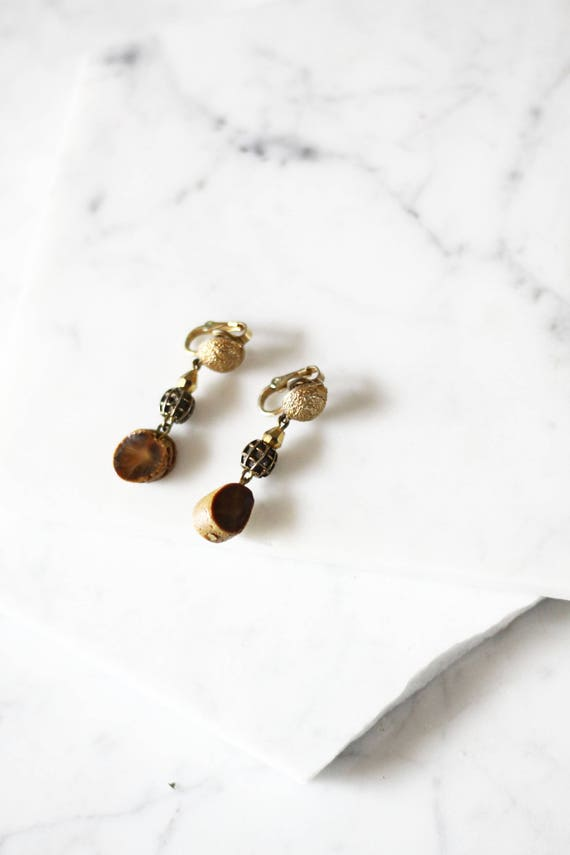 1970s gold drop earrings // 1970s boho earrings // vintage earrings