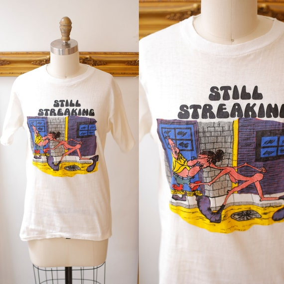 1970s vintage streaking t-shirt // 1970s novelty t