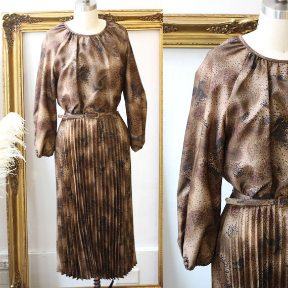 1970s brown pleated dress // 1970s belted dress // vintage dress