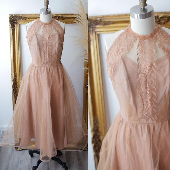 1950s crinoline prom dress // 1950s cupcake prom dress // vintage lace dress