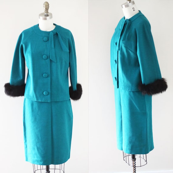 1960s green skirt suit // 1960s Jackie O suit // vintage suit