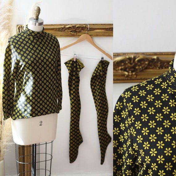 1960s yellow daisy matching set // 1960s mod shirt and high stockings // vintage matching set