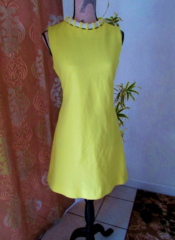 Spectacular Vintage 1960's Bright Lemon Yellow and