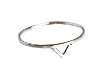 Thin Silver Spike Ring, Thin Silver Ring, Triangle Ring, Chevron Ring, Geometric Ring, Dainty Silver Ring, Thin Ring, Simple Silver Ring