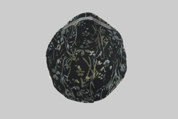 Fitted Face Mask in Dark Garden Batik