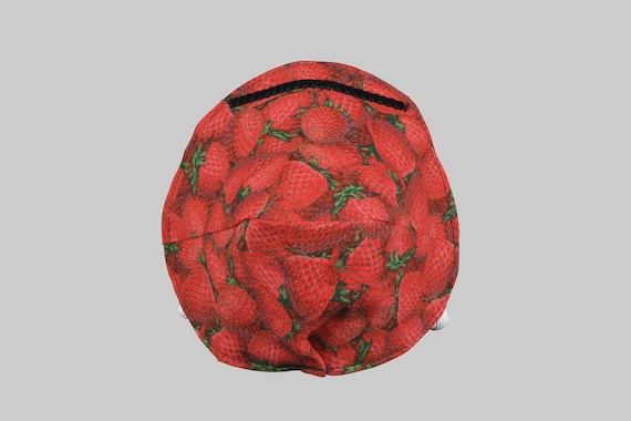 Fitted Face Mask in Strawberry