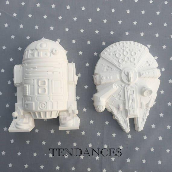 Objets De Decoration Star Wars R2d2 Et Falcon Millennium En Etsy
