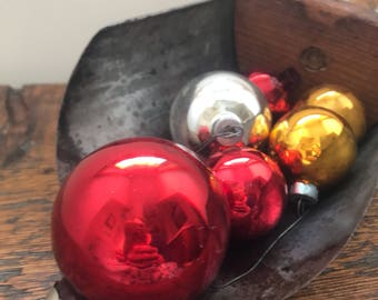 Set of 6 Vintage Christmas Ornaments / Vintage 1940s Christmas / Vintage Red, Gold and Silver Glass Christmas Bulbs