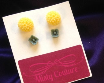 2 SET of earrings in Yellow and Green