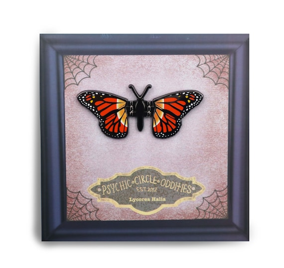 The Monarch butterfly - Moving wing enamel pin!