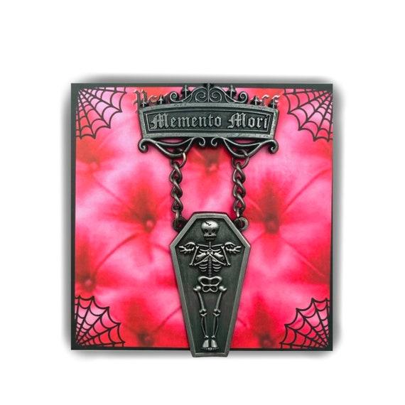 Memento mori- 3D antiqued silver medal pin!