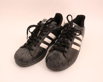 90s adidas shoes Etsy    adidas-sko fra 90'erne   title=          Etsy