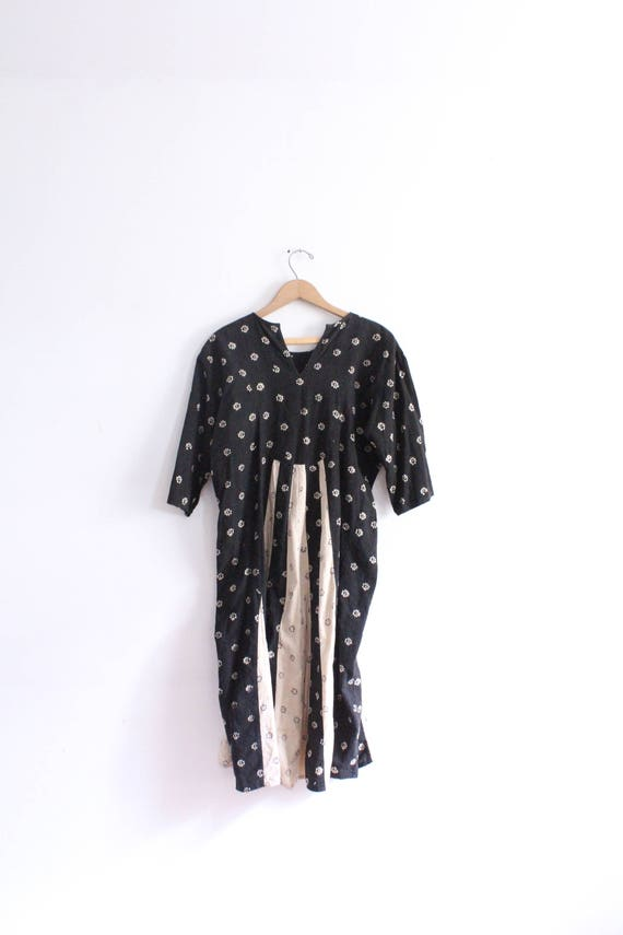 Little Pattern Witchy Midi Dress