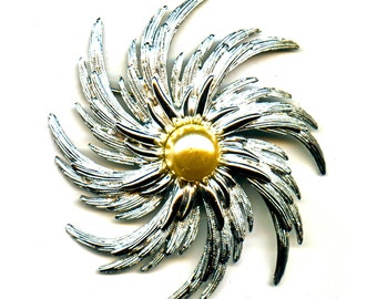 Sarah Coventry Flower Pin and Clip on Earring Set
