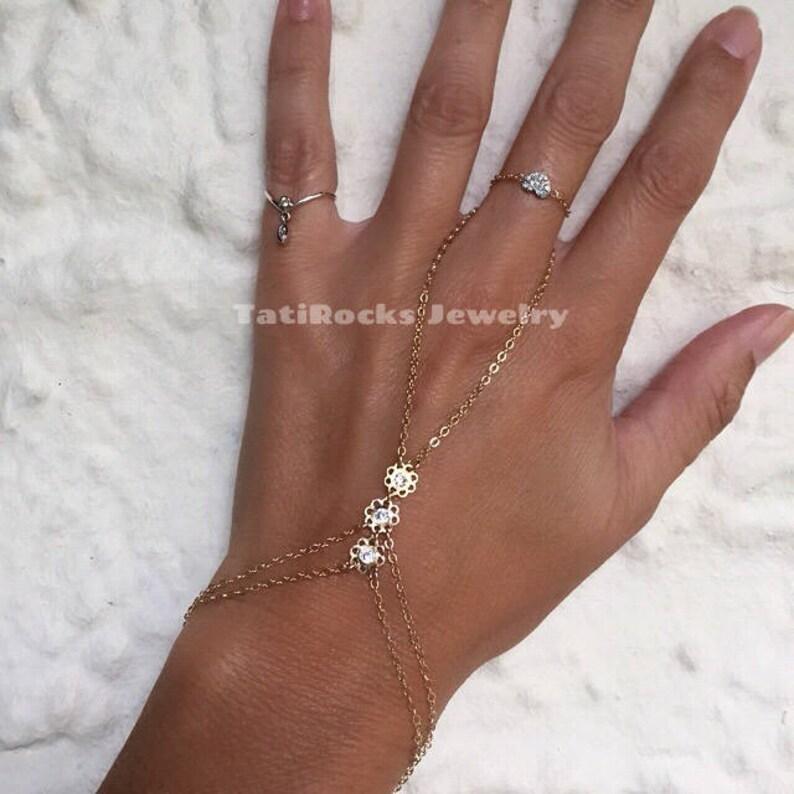 Daisy Flower Bracelet Flower Bracelet Botanical Flower Hand Chain Flower Finger Bracelet