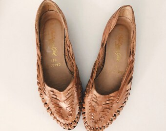 ef20f738eb4a Vintage Caramel Brown Leather Woven Mexican Huaraches Flats Sandals Shoes  size 8