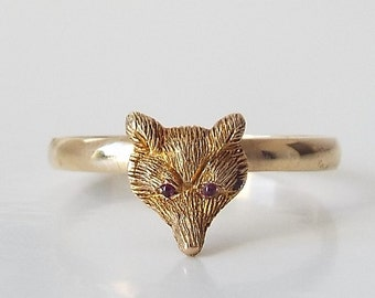 9ct gold fox head ring with ruby eyes