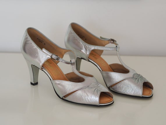 Vintage silver T-bar shoes from 1980s / Size 8 UK