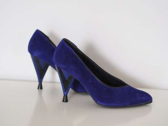 90s purple heels Vintage suede pumps in purple or ultraviolet Size 4 (UK) heels 90s vintage 90s stilettos 90s purple women's shoes