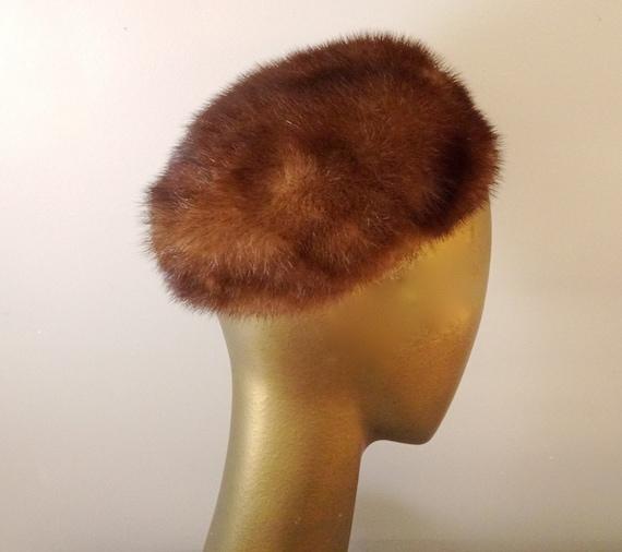 Mink skull cap hat 50s Elizabeth Adoria