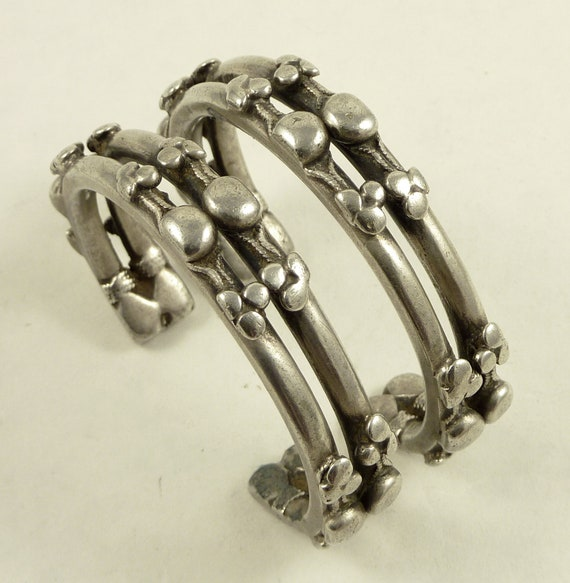Matching pait of old Nubian bracelets silver from