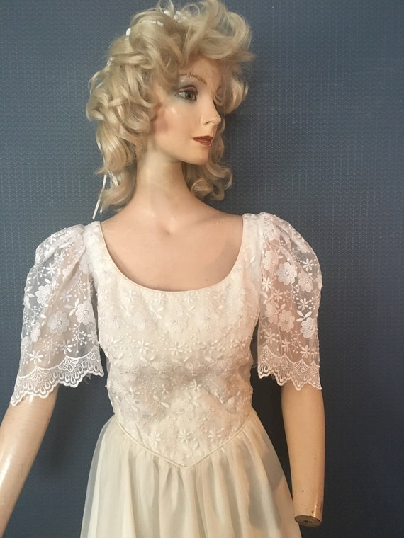 "Wedding Bridal gown 1970's ""Lacey Daisy"""