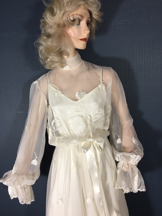 "Wedding Bridal Gown Vintage 1970's ""Simplicity"""