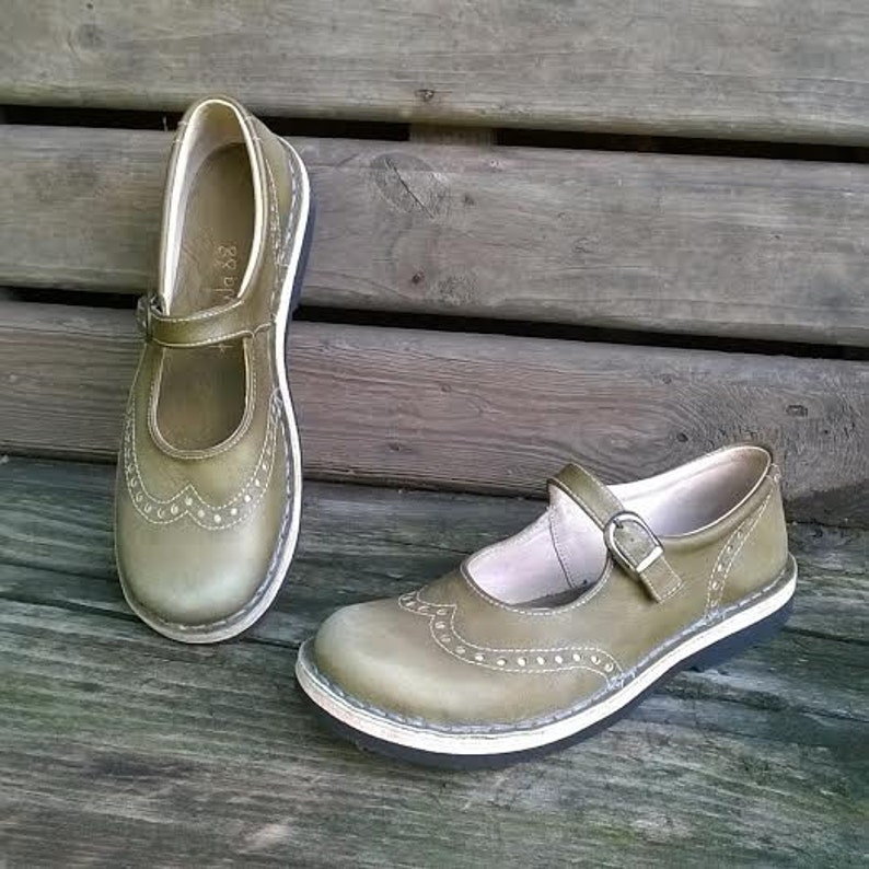 55c622aed5f5c Distressed leather maryjanes TEIDE olive