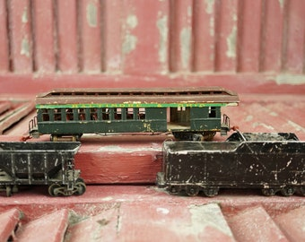 Three Metal Trains Varney Mantua One Unmarked HO Gauge Bookshelf Cabin Office Industrial Gift Christmas Lodge