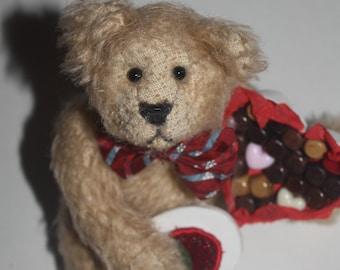 "7"" Valentine Bear"