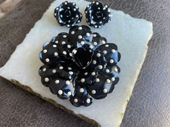 VINTAGE Joan Rivers-vintage brooch set-polka dot e
