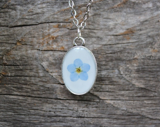 Dainty Forget me Not Necklace