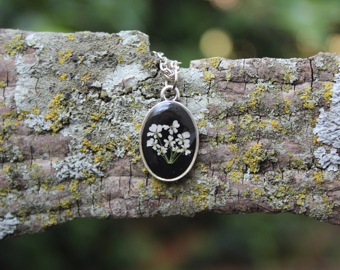 Queen Anne's Lace Oval Necklace