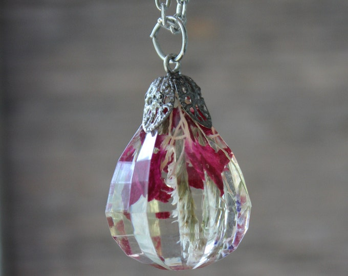 Pear shape crystal with red flowers
