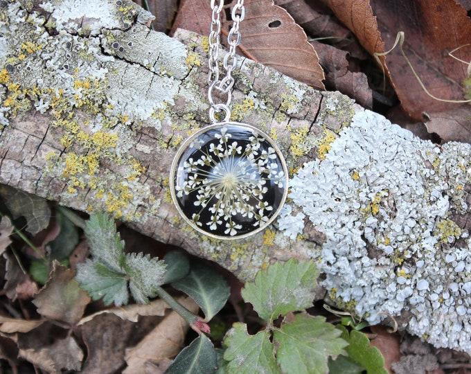 Large Queen Anne's Lace Necklace