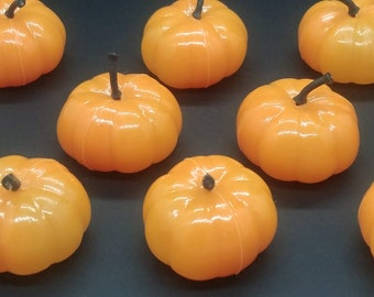 12 3-D PUMPKIN retro look Halloween vintage cupcake lay ons cake toppers party craft carving patch wreath making fall harvest decor village