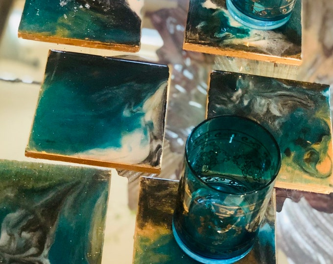 Set of six coaster. Designed and decorated using colorful resin te create a marbel effect
