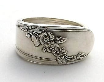 Violet Spoon Ring Queen Bess 1946, Birth flower for February, 50th Wedding Anniversary Gift, Ice Tea