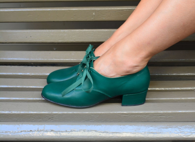 1930s Shoes – Art Deco Shoes, Heels, Boots, Sandals Handmade Leather Oxfords shoes Flat Oxford Ties Shoes Swing shoes Retro dance shoes Vintage style Green Leather shoes Tandem $148.49 AT vintagedancer.com