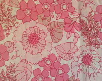 Vintage Pink Floral Fabric, Delicate Flowers, country Cottage, Shabby Chic
