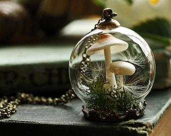 Mushroom terrarium necklace, miniature terrarium jewelry, dandelion seed pendant , woodland moss, real moss, dandelion wish pendant