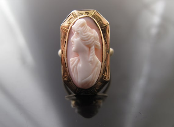 Victorian 10k Gold Coral Cameo Silhouette Ring