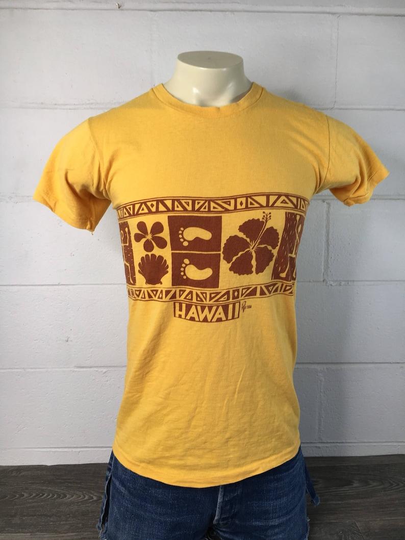 5529f1e76 HAWAII Shirt 70s POLY TEES Hibiscus Bare Feet Tribal Print   Etsy
